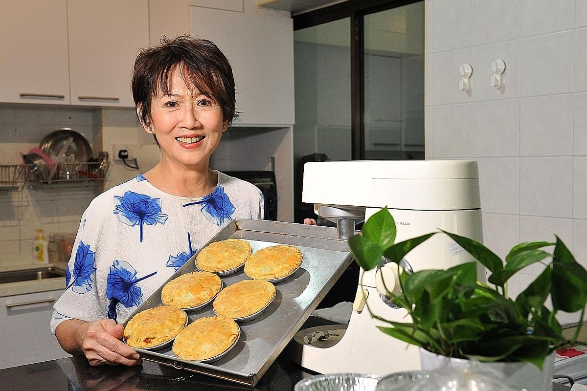 Real estate agent Mimi Lee used to run a restaurant and a shop that sold pies.