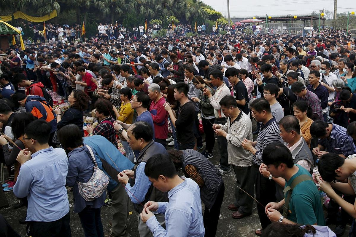 Thousands of people surnamed Yeh attend an annual worship ceremony to pay respect to their ancestors in Taiwan on April 4, 2016.