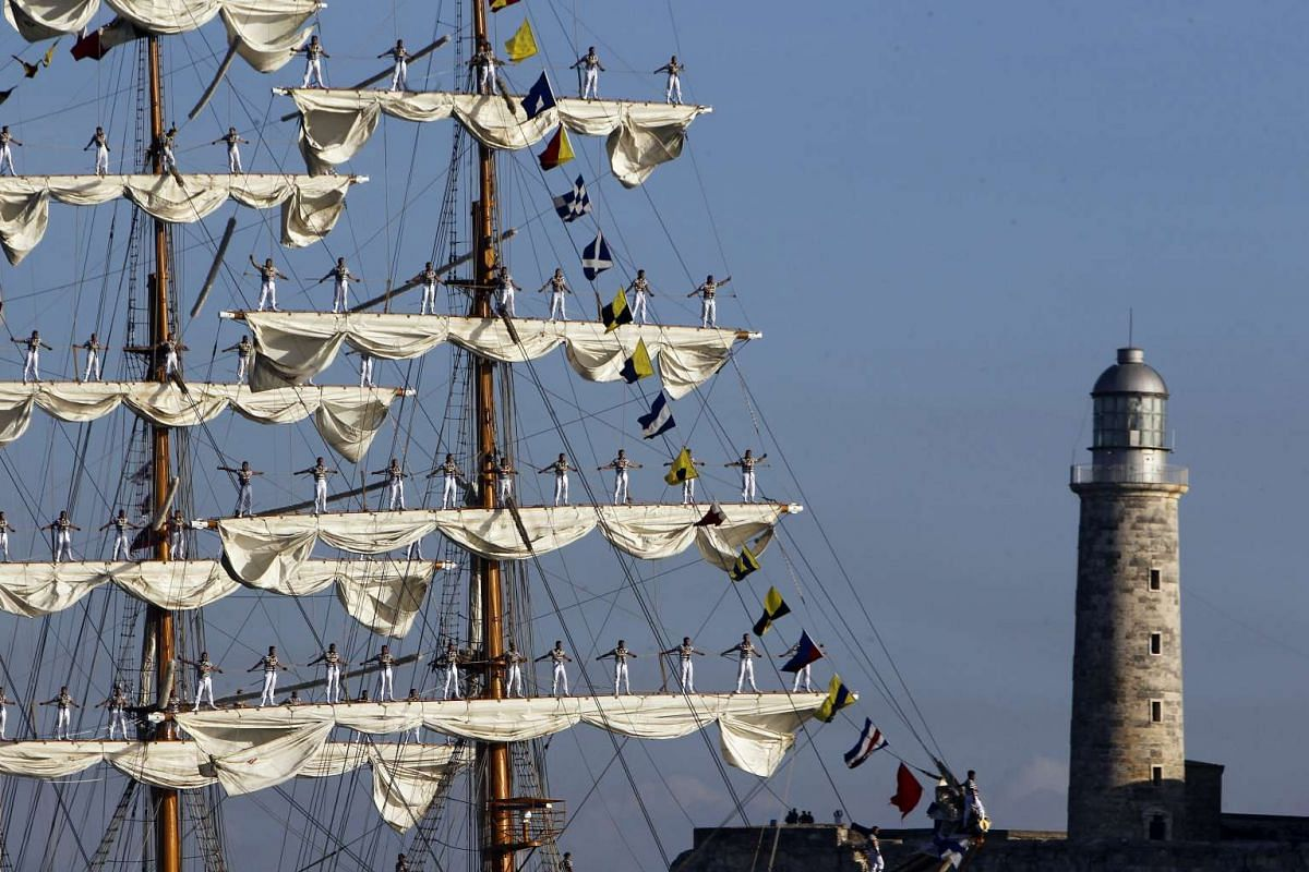 The Mexican Navy's sail training vessel 'Cuauhtemoc' arrives in the harbor of Havana, Cuba, April 11, 2016. PHOTO: EPA