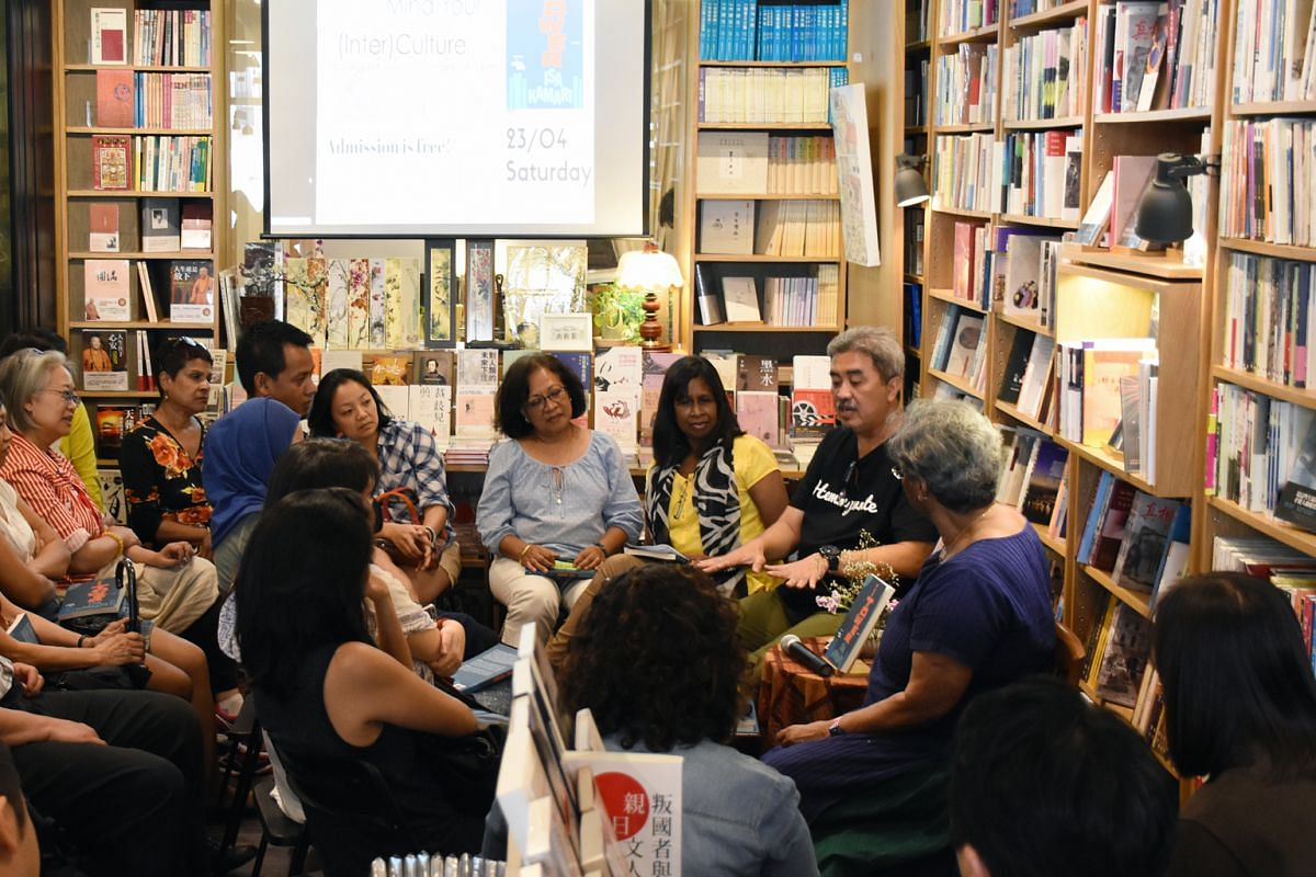 Members of Mind Your (Inter)Culture at a session with Malay writer Isa Kamari (in black T-shirt).