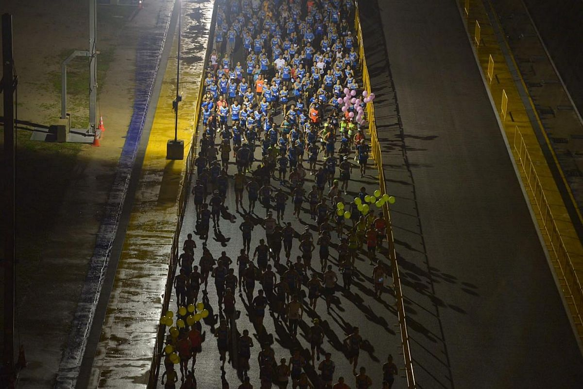 Participants take part in the 18.45km race.