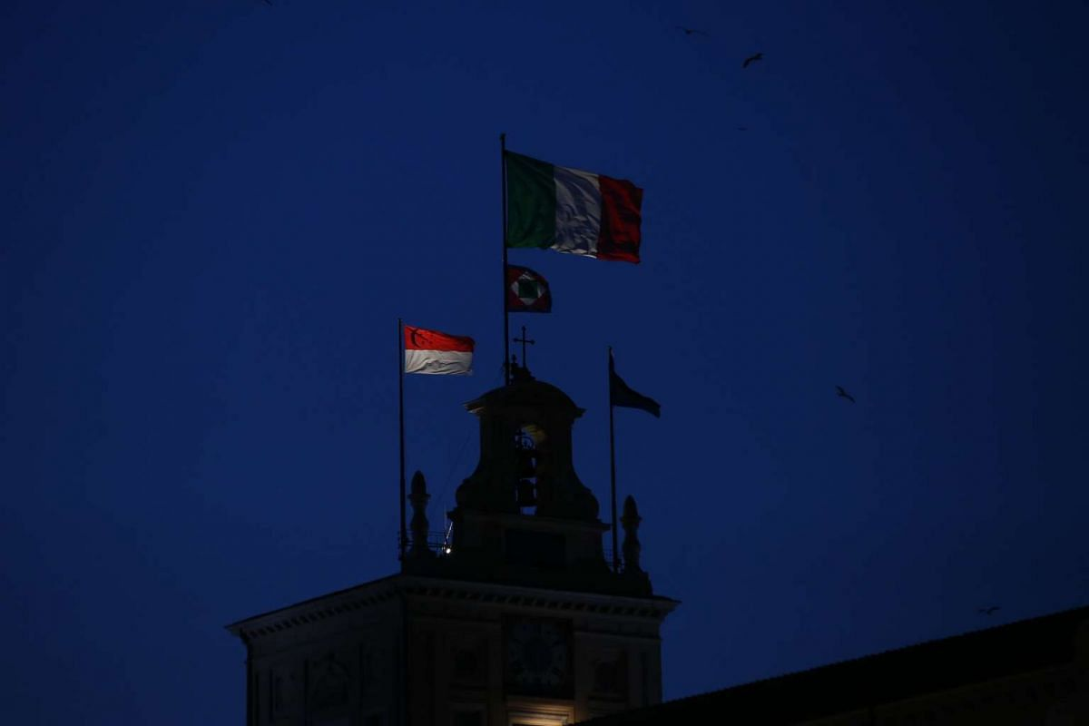 Day 2: President Tony Tan Keng Yam was hosted to a state banquet by his Italian counterpart President Sergio Mattarella at the Palazzo del Quirinale, one of Mr Mattarella's official residences. The Singapore flag was raised above the palace earlier