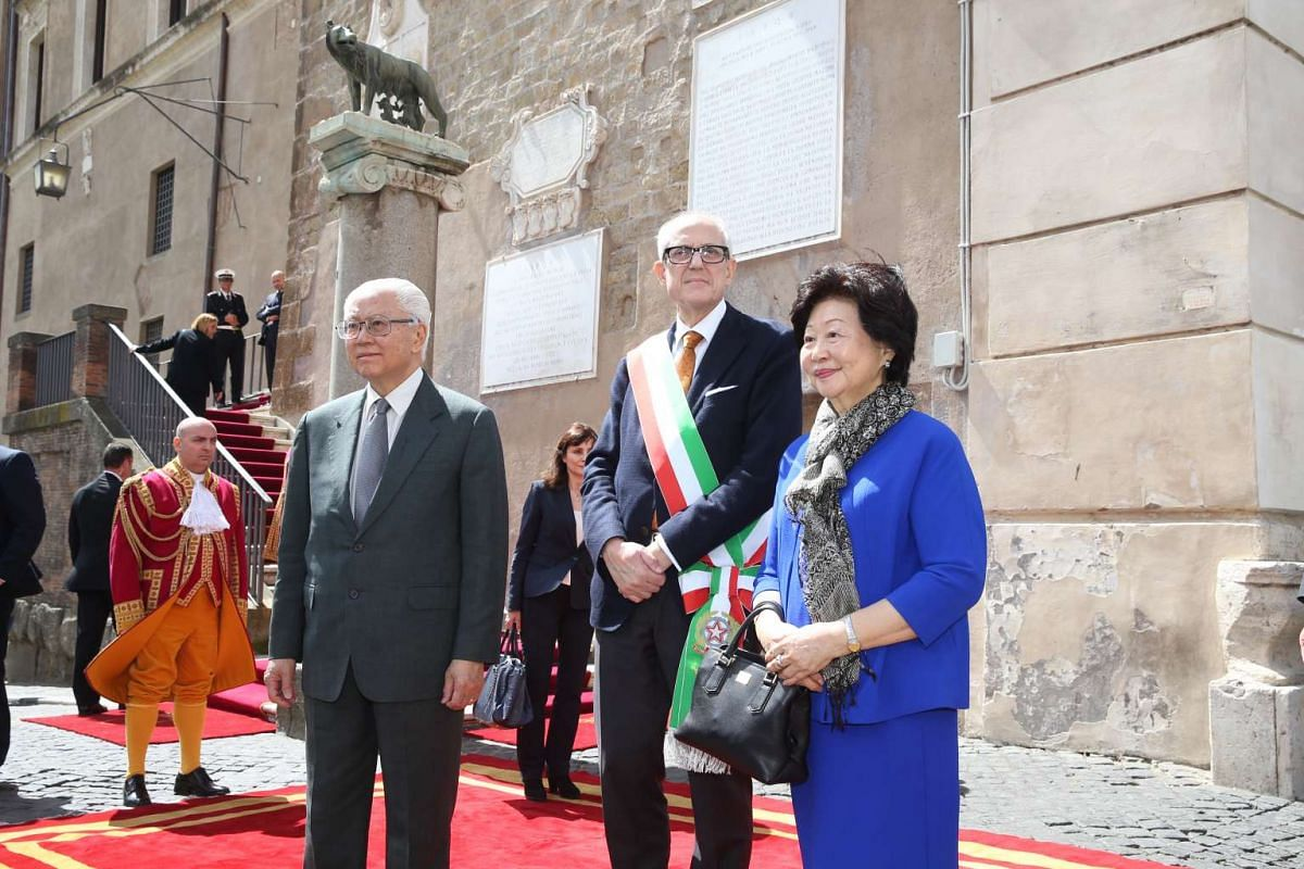 Day 3: President Tony Tan Keng Yam and the Singapore delegation met the Commissioner of Rome Francesco Tronca, at the Campidoglio on Capitoline Hill.
