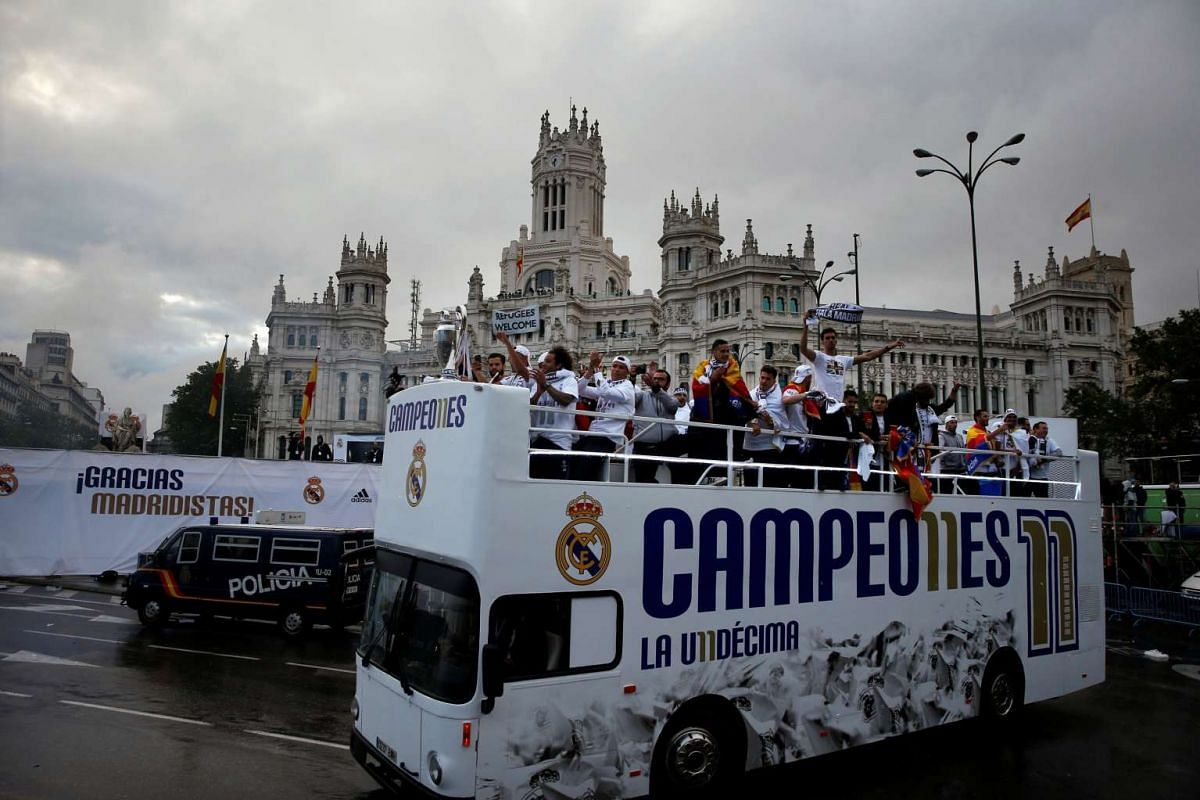 Real Madrid players arrive at Cibeles square after winning the UEFA Champions League, on May 29, 2016.