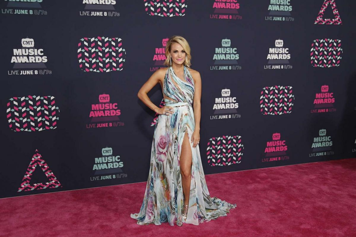 Singer Carrie Underwood arrives at the 2016 CMT Music Awards in Nashville, Tennessee US on June 8.