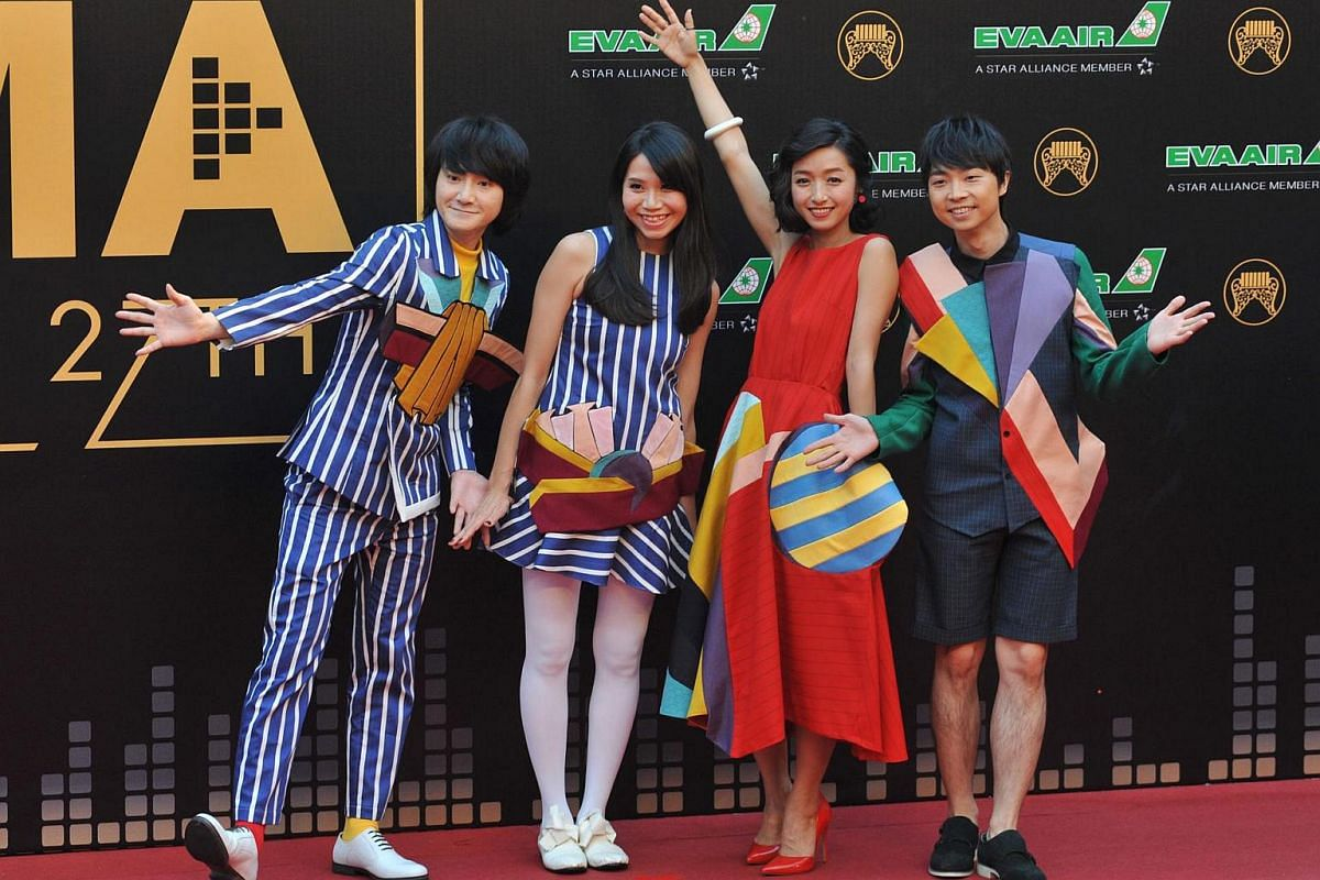 One member of Taiwanese band Wonfu did not get the memo about the stripe dress code.