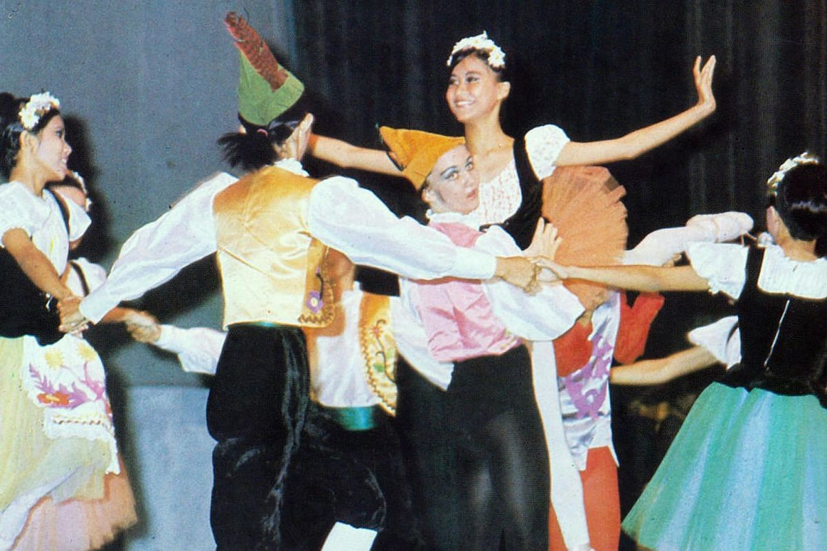 A dance performance at the opening night of the Music and Dance Presentation at the National Theatre in 1970.