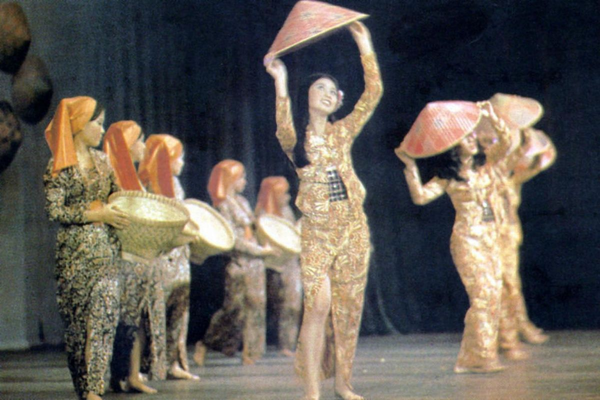 A Malay dance performance Singapore Youth Festival in 1973.