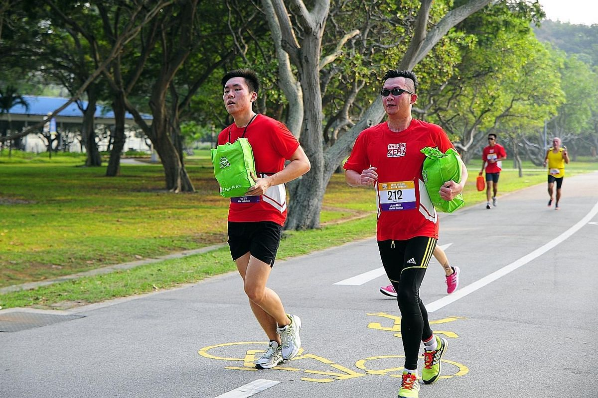Race #2 of The Performance Series Singapore 2016 at Jurong Lake. Bounce your way through the course of the BounceOFF! run. You will get a glow after the Skechers Blacklight Run Singapore, and it is not just from exercising. Runners in the 5km Relief