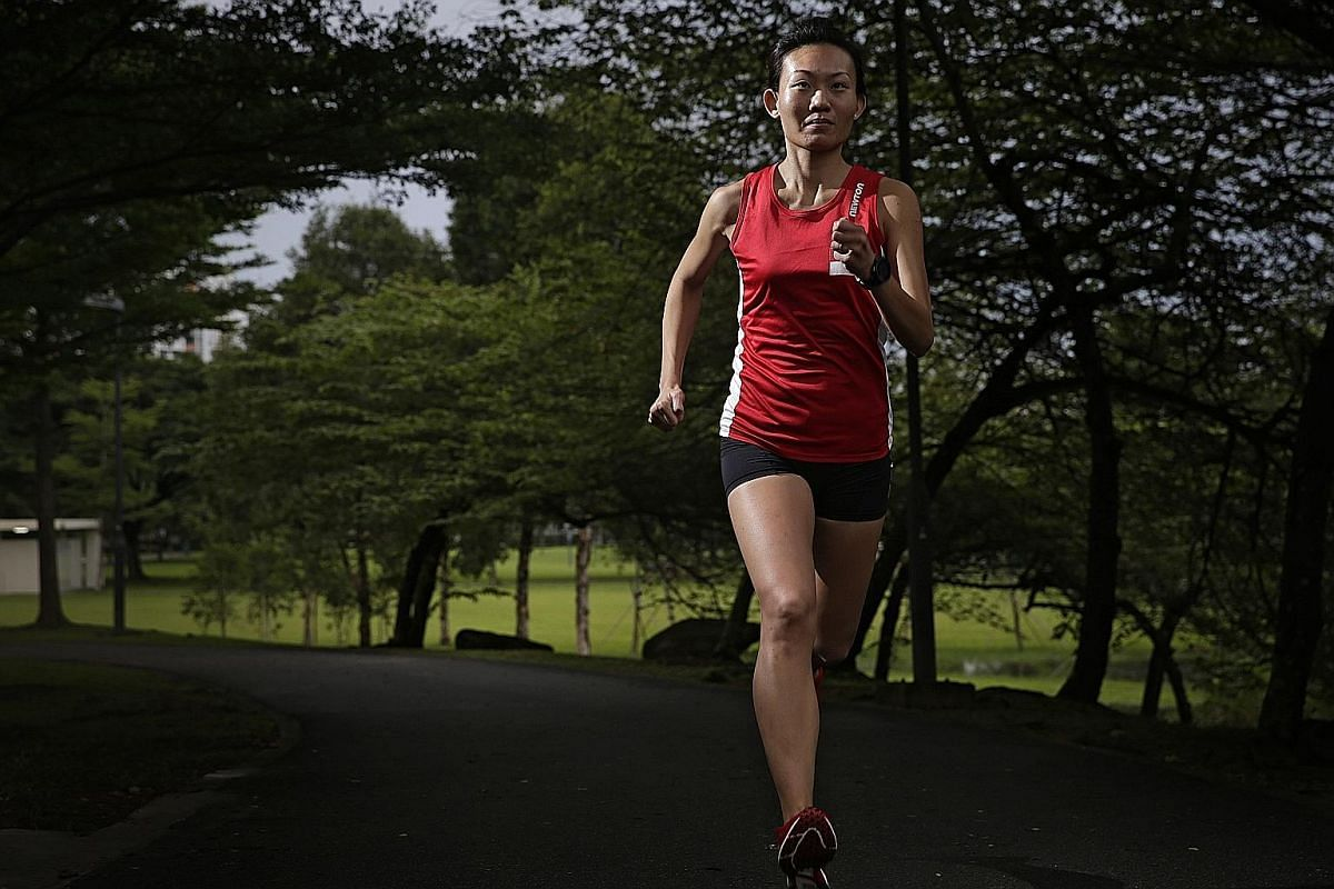 Thirty-one year-old Neo Jie Shi is a rare non-full-time athlete who has reached the pinnacle of sport. It has yet to sink in fully for her that she will shortly rub shoulders with the top Kenyans and Ethiopians in Rio.