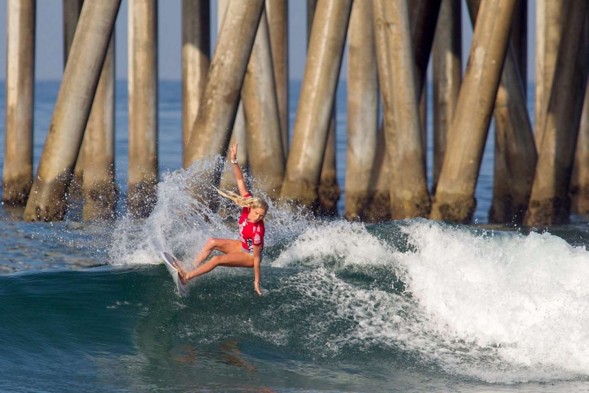 Laura Enever of Australia in action in Round 4 at the 2016 Vans US Open of Surfing, Huntington Beach, California, on July 28, 2016.