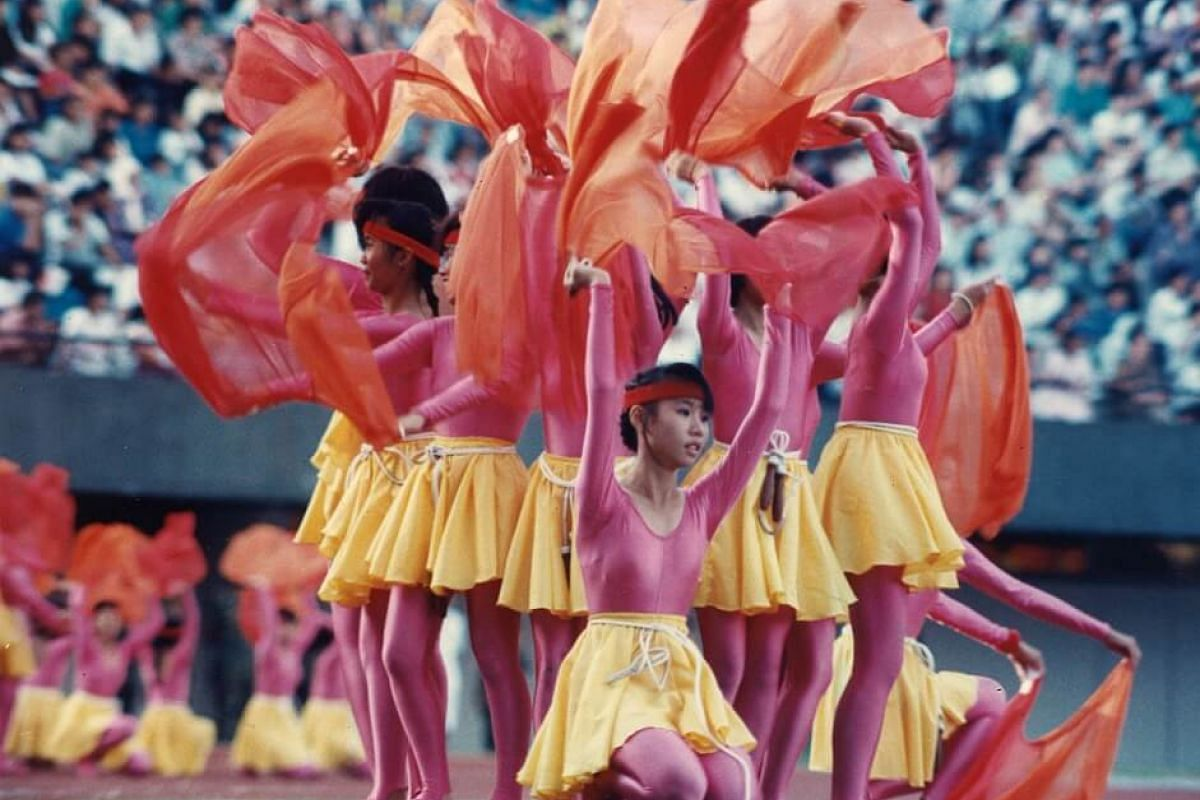 1989: Performers during the 1989 National Day Parade.