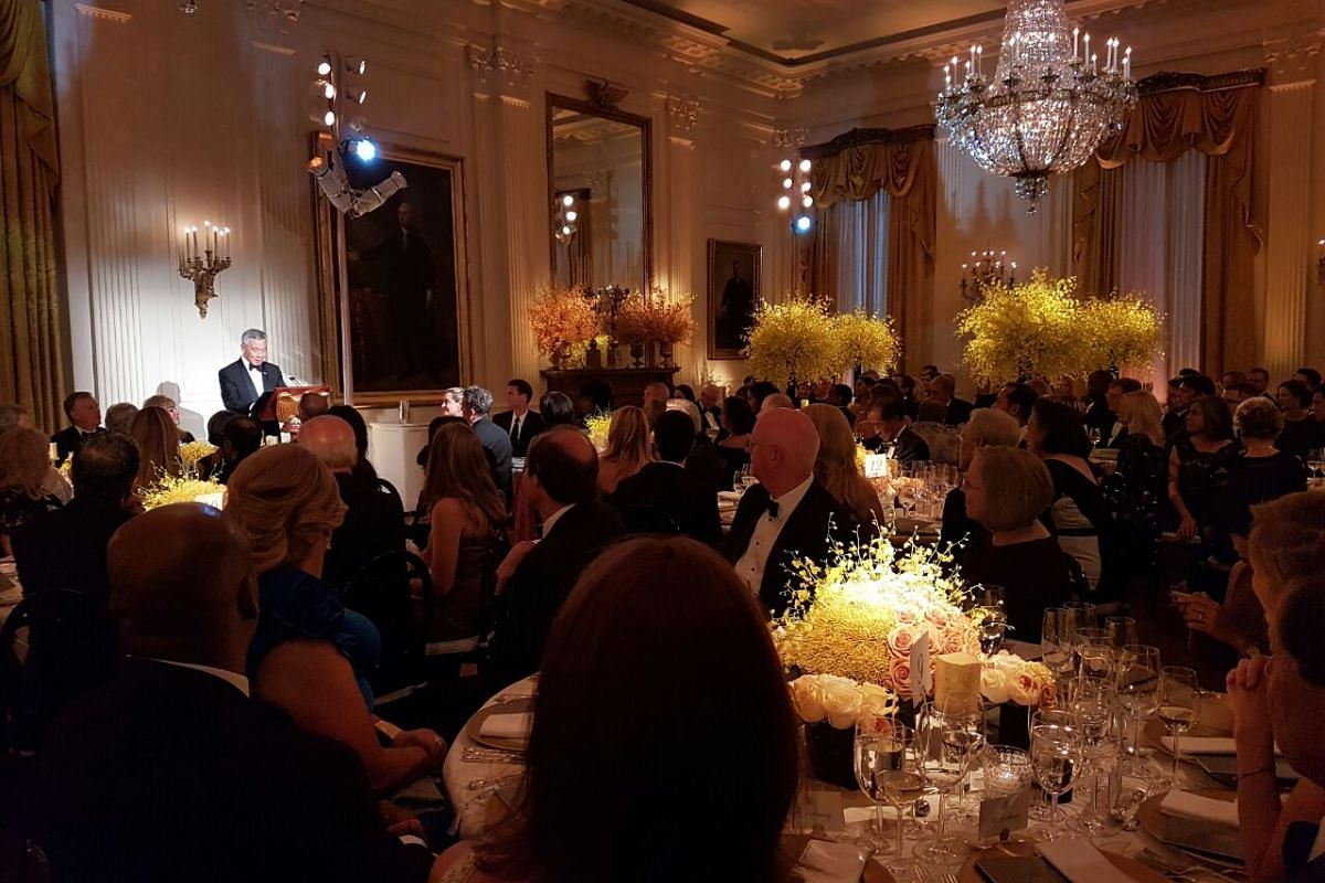Prime Minister Lee Hsien Loong speaks to guests at the state dinner on Aug 2.