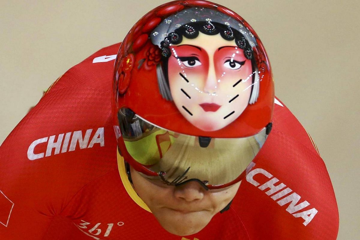 Gong Jinjie of China competing in the women's sprint qualifying round on Aug 14.