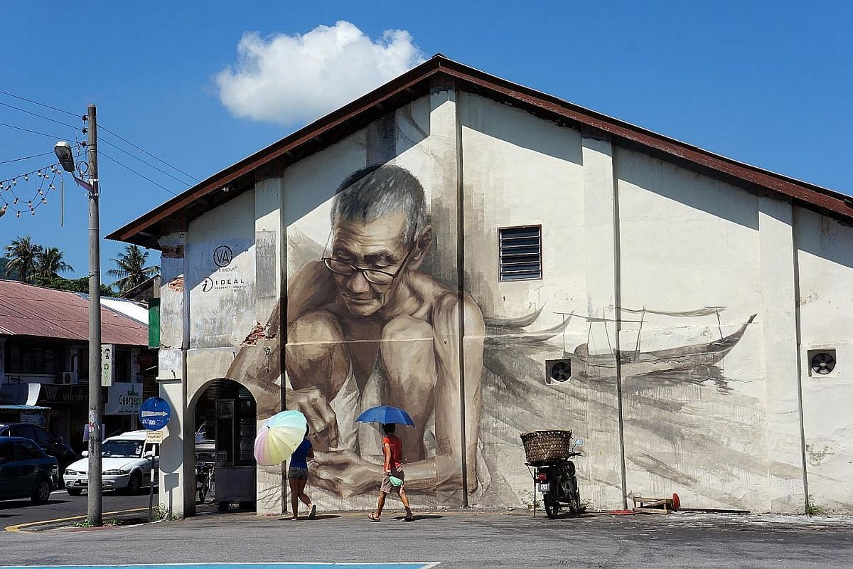 Not to be outshone by George Town, Balik Pulau now boasts its own street art, with striking murals that call up days long gone (left and above). The Malihom estate atop the steep hills of Balik Pulau features 10 chalets converted from rice barns that