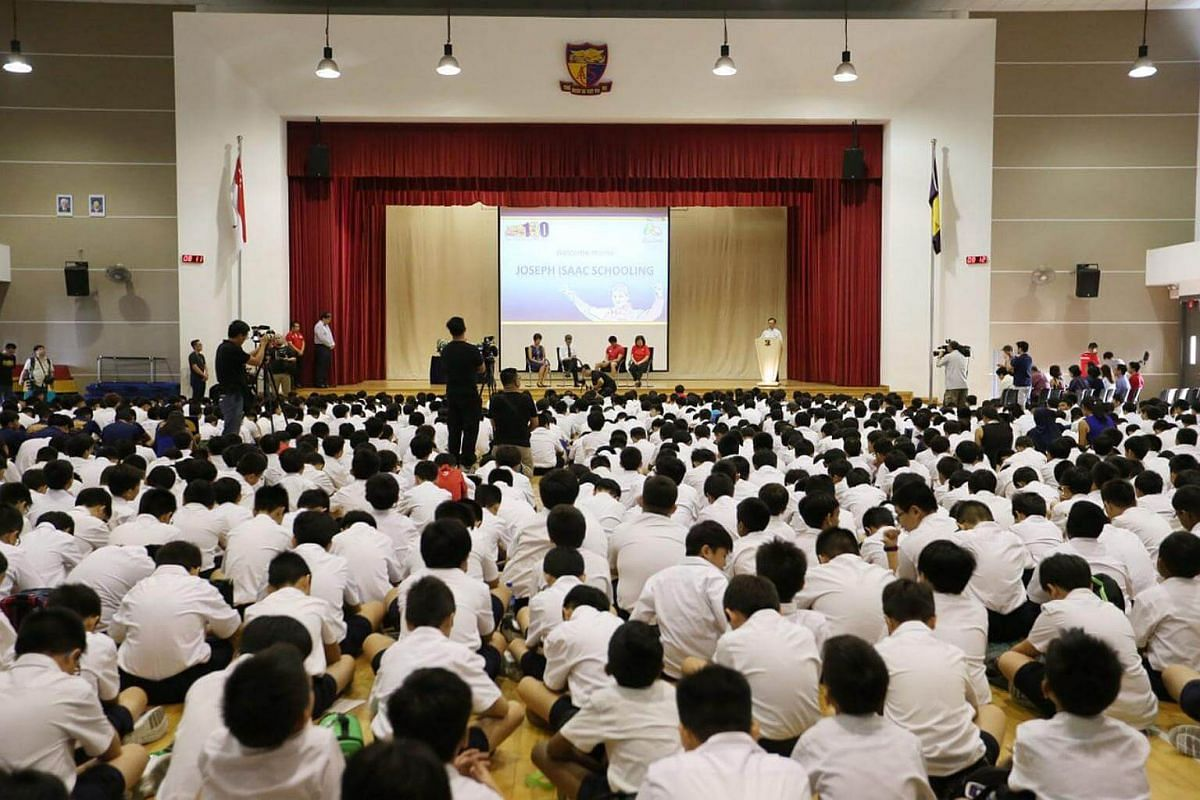 Students gathered at ACS Junior to welcome alumni Joseph Schooling.