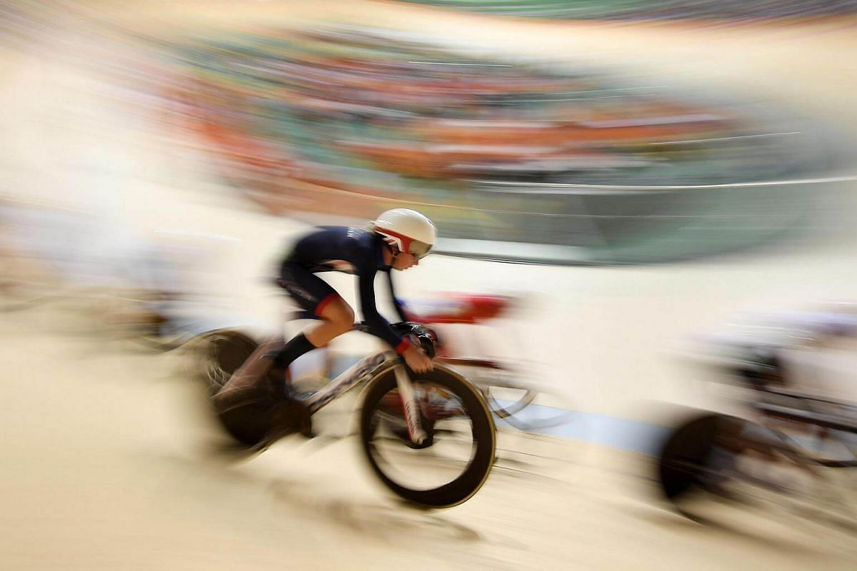 Britain's Laura Trott competes in the Women's Omnium Points race track cycling event at the Velodrome during the Rio 2016 Olympic Games in Rio de Janeiro on August 16.