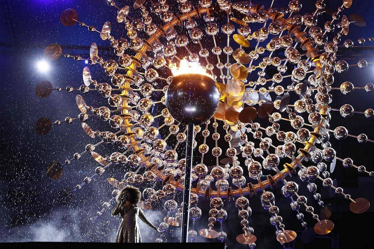 Brazilian singer Mariene De Castro performs during the closing ceremony of the Rio 2016 Olympic Games at the Maracana stadium in Rio de Janeiro on August 21.