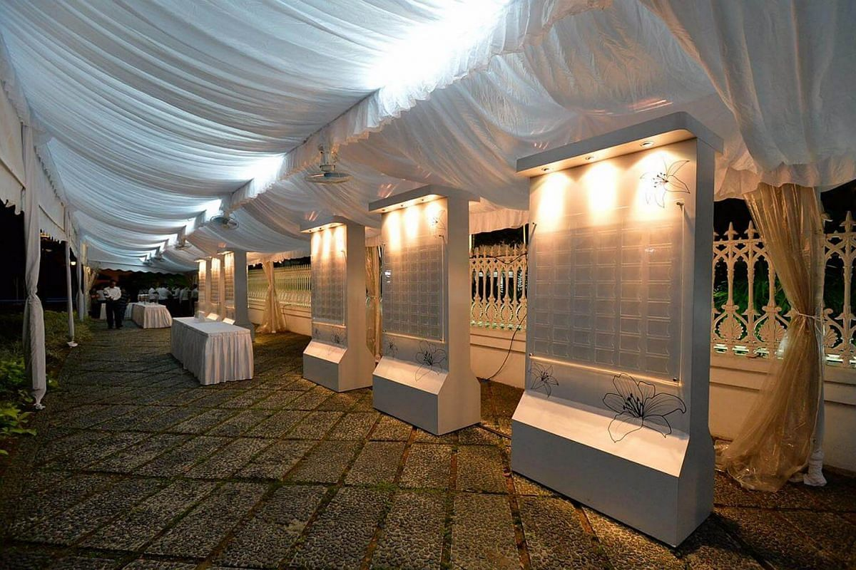 Message boards set up at the Istana from the early Tuesday morning for members of the public to pen their messages.