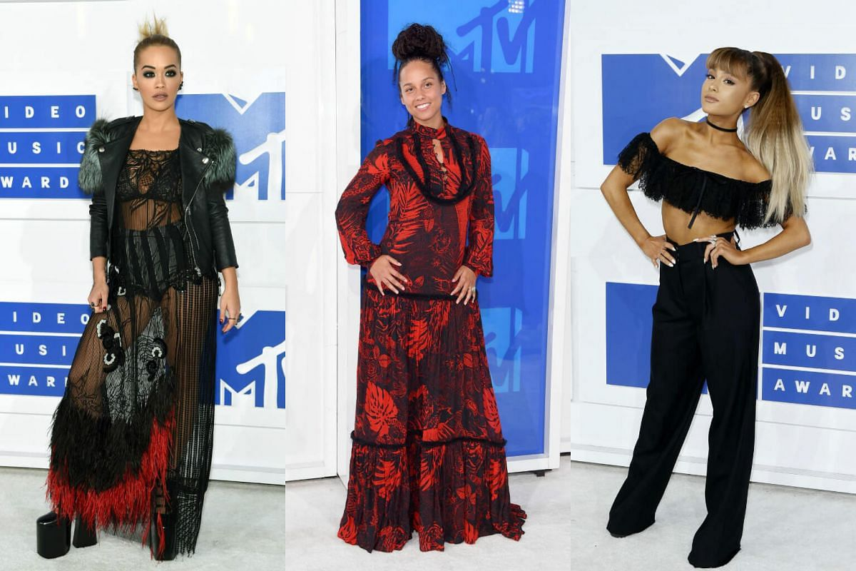 rom left) Rita Ora, Alicia Keys and Ariana Grande arrive at the 2016 MTV Video Music Awards at Madison Square Garden on August 28 in New York City.