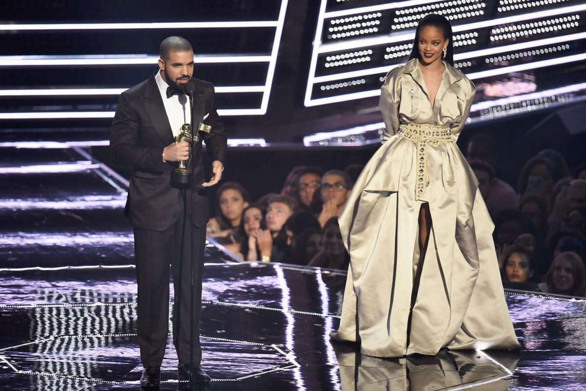 Drake presents Rihanna with The Video Vanguard Award during the 2016 MTV Video Music Awards at Madison Square Garden on August 28 in New York City.