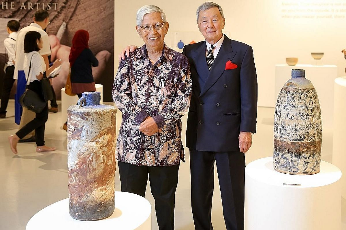 Iskandar Jalil first learnt pottery from Mr Sng Cheng Kiat, a former Teachers' Training College lecturer, who was a guest at Iskandar's show at the National Institute of Education.