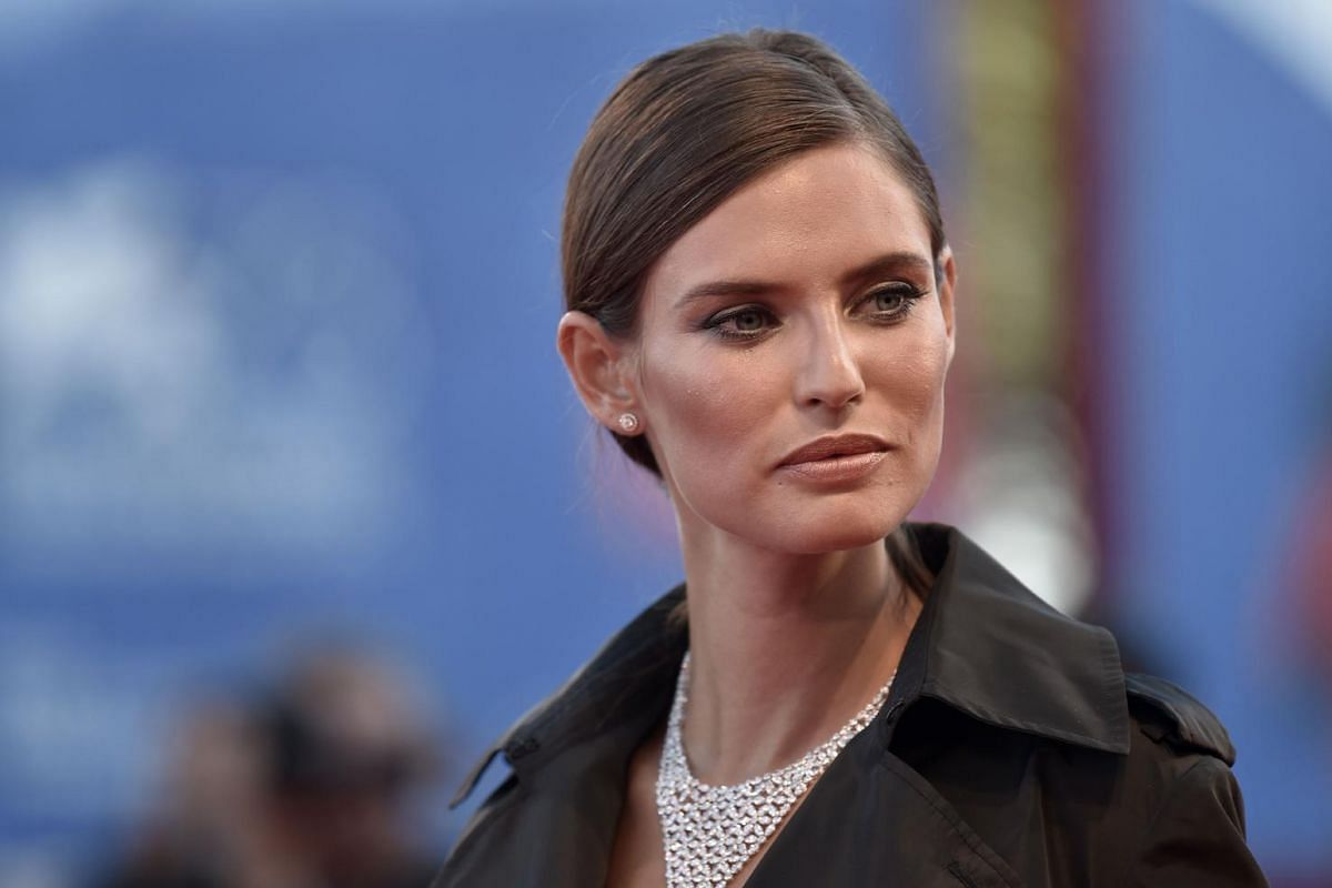 Model Bianca Balti poses on the red carpet before the screening of the movie La La Land for the opening ceremony of the 73rd Venice Film Festival, on Aug 31, at Venice Lido.