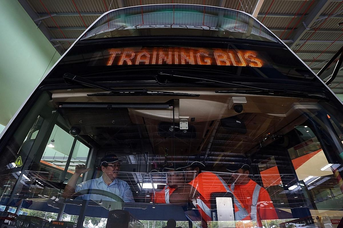 An employee sanding old paint off a bus to prepare it for its new coat. Over the past few months, Go-Ahead has met a number of important targets, such as bus captain recruitment, the creation of a service control centre and commissioning a number of
