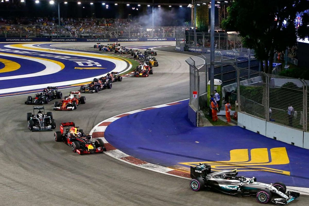 German driver Nico Rosberg leads the pack at the start of the 2016 Formula One Singapore Airlines Singapore Grand Prix on Sept 18, 2016.