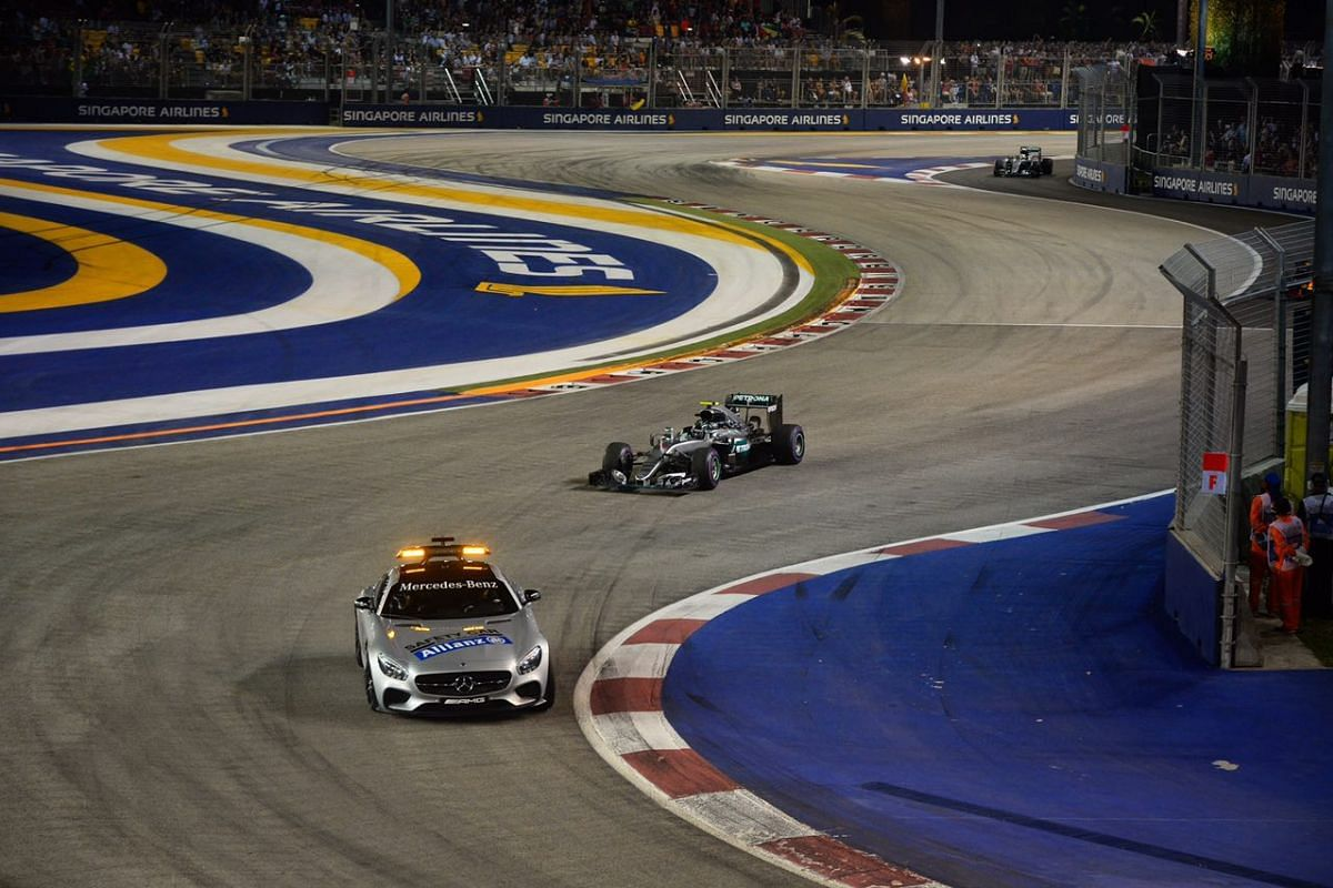 Nico Rosberg leads the pack after the start of the race during the 2016 Formula One Singapore Airlines Singapore Grand Prix on Sept 18, 2016.