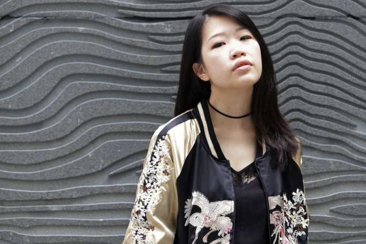Singersongwriter Linying is performing with German DJ and music producer Felix Jaehn in Europe as part of his tour.