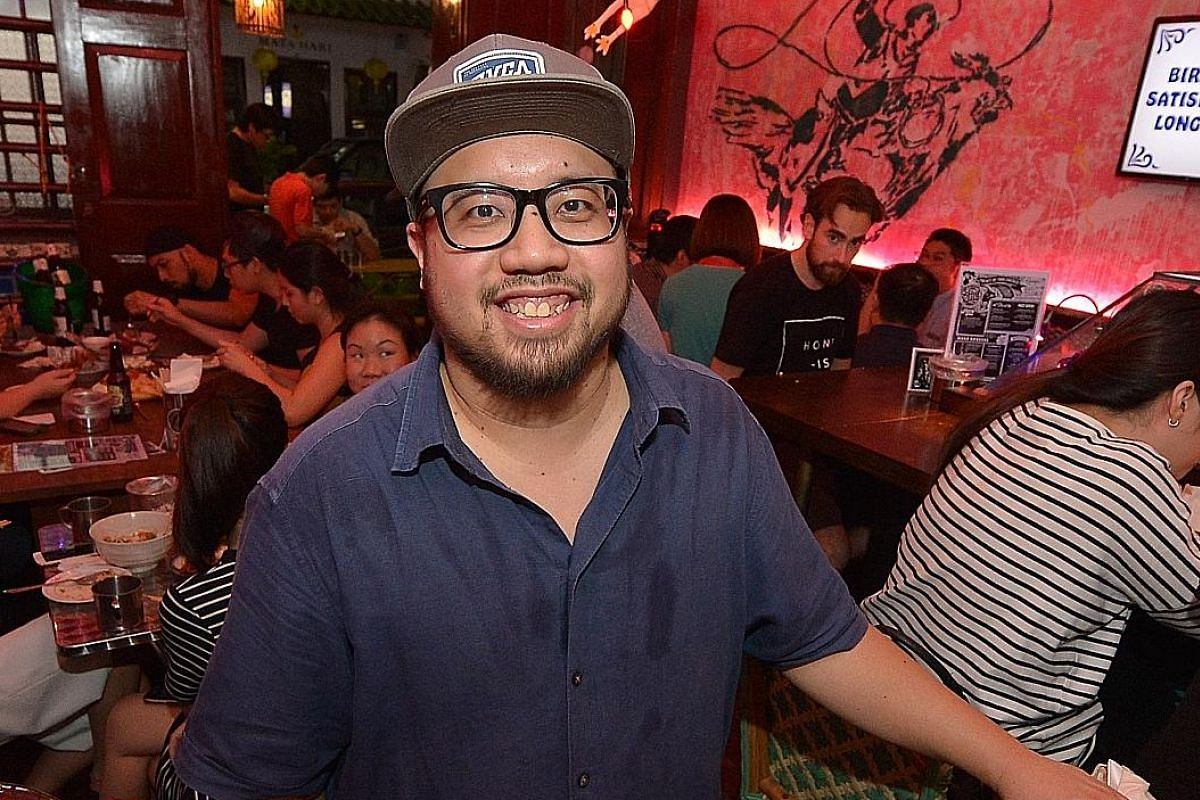 B.C.M. Grilled Cheese. Chef Tan Huang Ming (in glasses), owner of sandwich cafe Park Bench Deli, is the consultant chef for Red Tail Bar. He is with the bar's head chef Chan Kar Meng. Crab & Shrimp Fritters. Yun Cheong Thin Crust Pizza (left) and Sea