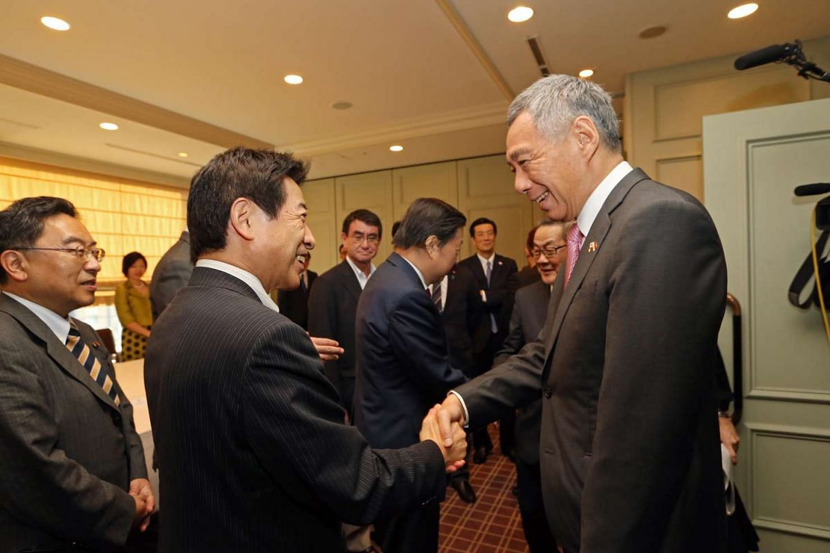 Prime Minister Lee Hsien Loong and Singapore delegates met with the senior representatives of the Japan-Singapore Parliamentary Friendship League at the Imperial Hotel, Tokyo on Sept 27, 2016.