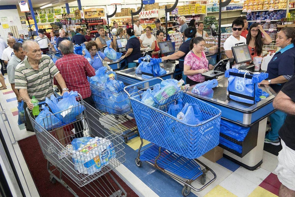Miami residents buying supplies to prepare for Hurricane Matthew on Oct 5, 2016.