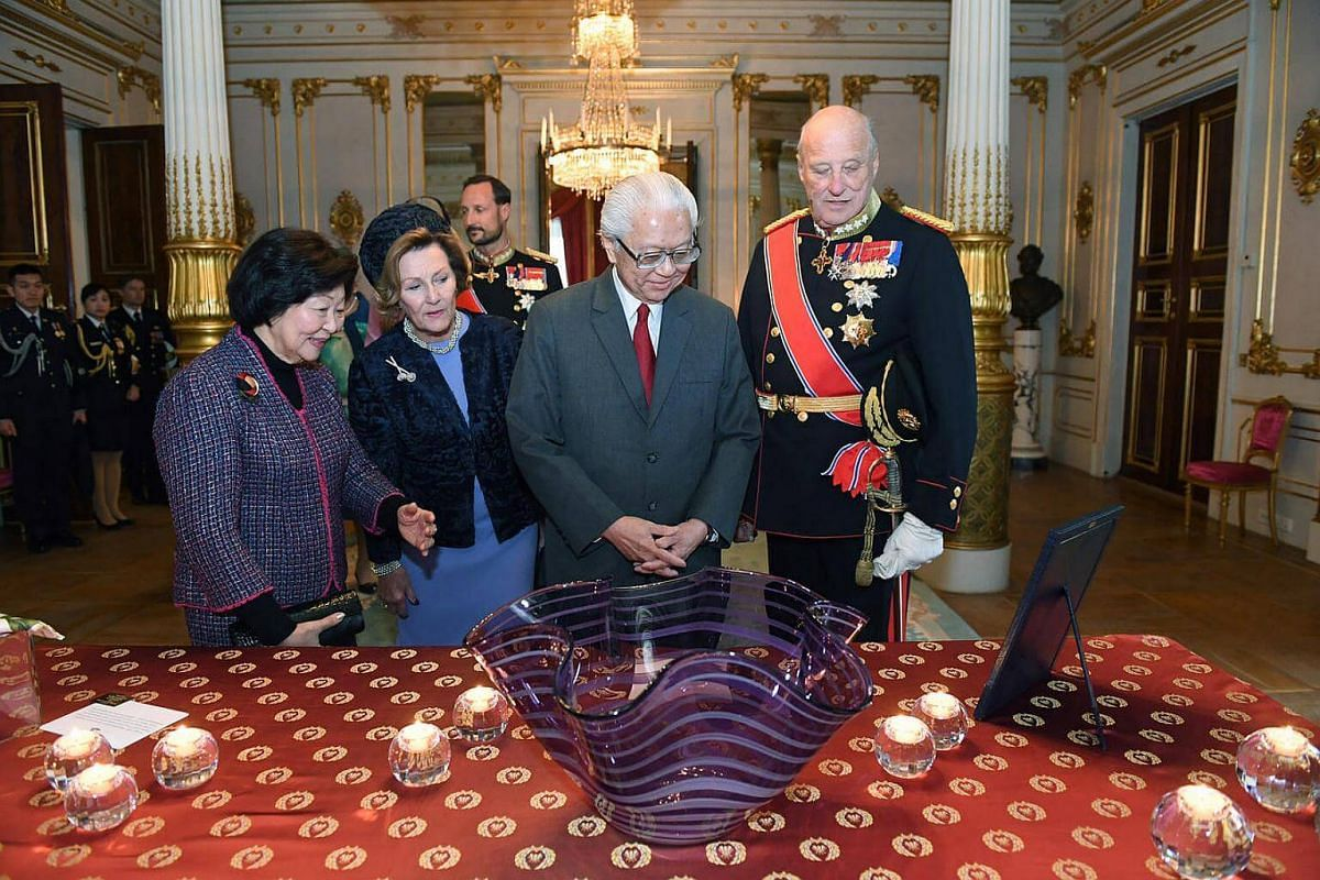 Gift presentation in the white parlour in the Royal Palace.