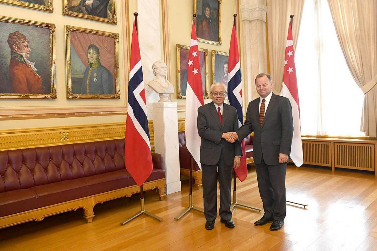 President Tony Tan (left) meets with President of the Storting, Olemic Thommessen at Stortinget, on Oct 10, 2016.