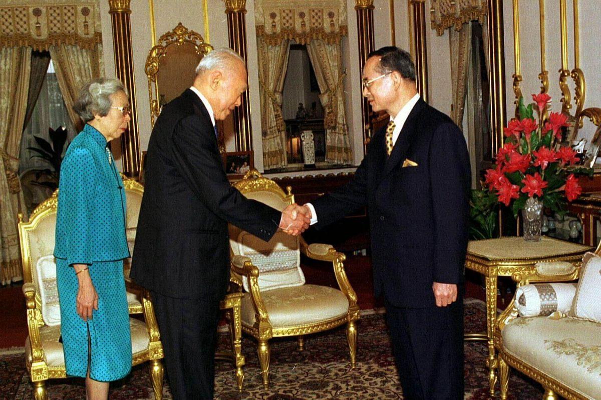 (From left) Mrs Lee and Mr Lee Kuan Yew call on the Thai King Bhumibol Adulyadej at Chitrlada Palace, Bangkok, on Jan 21, 1998.