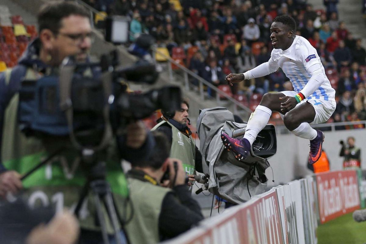 Zurich's Moussa Kone celebrates scoring the 1-1 equaliser goal during the UEFA Europa League group L match between FC Steaua Bucharest and FC Zurich at the National Arena stadium in Bucharest, Romania, October 20, 2016. PHOTO: EPA