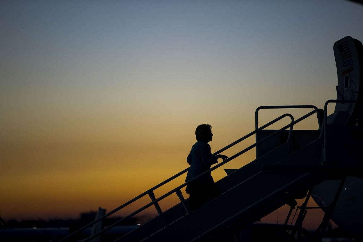 Hillary Clinton departs Cleveland, Ohio, following a campaign event for New Hampshire on Nov 6, 2016.