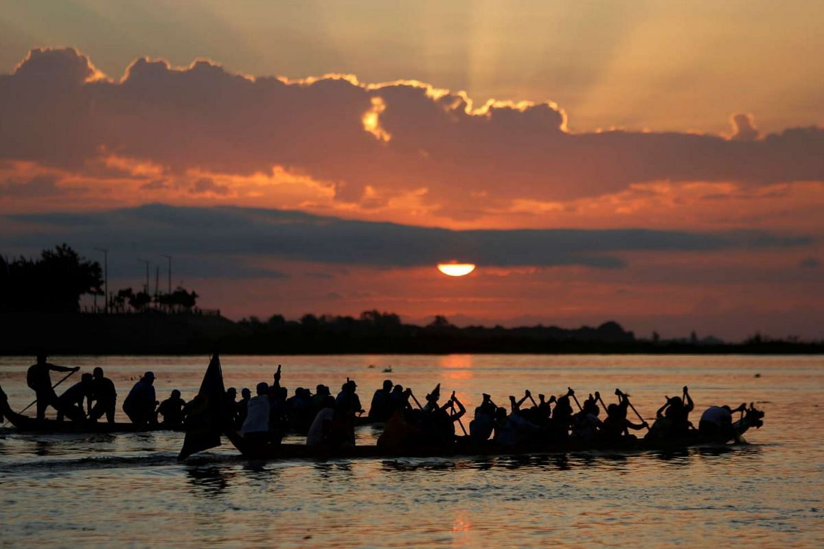Participants powering their boat on the Tonle Sap river during the annual Water Festival in Phnom Penh, Cambodia, on Nov 14, 2016.