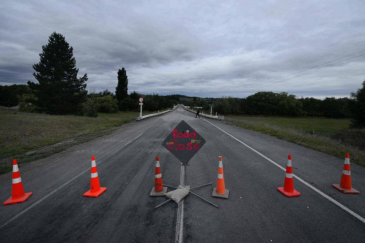 This photo taken on Nov 14, 2016 shows the bridge connecting the town of Waiau, 120 kms north of Christchurch, closed to all traffic after a 7.8 magnitude quake struck shortly after midnight the night before.