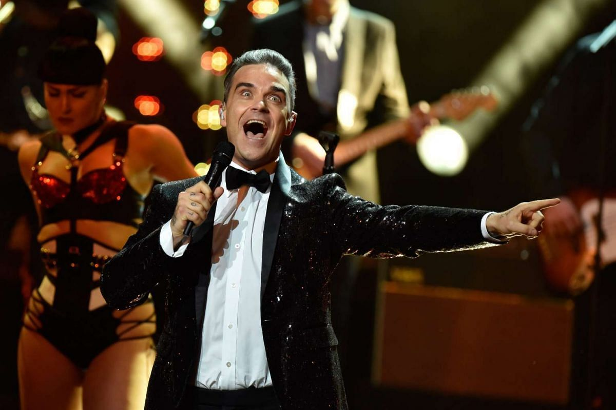 British musician Robbie Williams performs on stage at the 68th Bambi Award media awards ceremony in Berlin, Germany, November 17, 2016. PHOTO: EPA