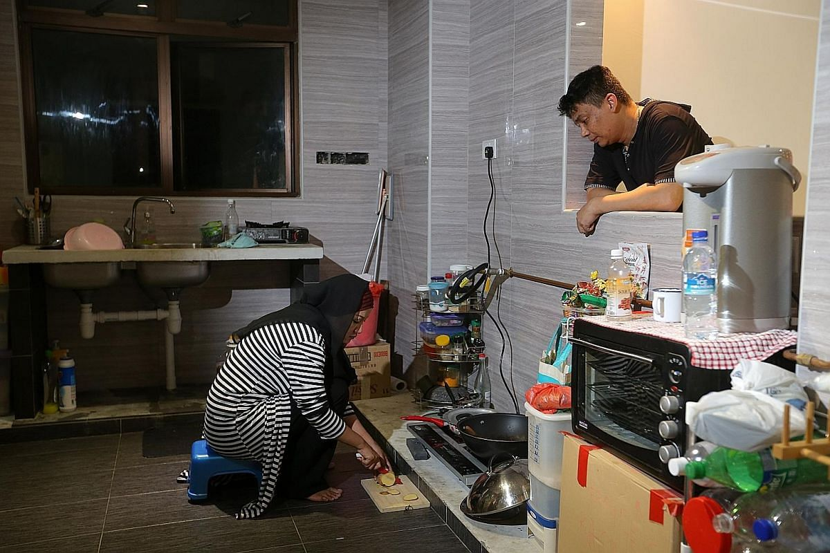 Environmental health and safety officer Abdul Halil and his wife, freelance make-up artist Stevanie Nur Rindyanie, have to cook on the floor as their interior designer left them without kitchen cabinets and many other furnishings.