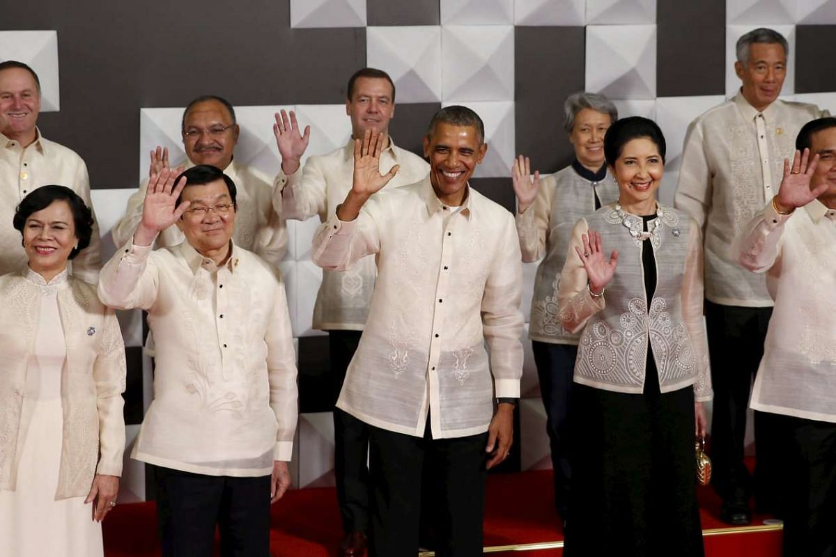 Delegates dressed in the barong tagalog, the national garment of the Philippines, during the Apec summit in Manila in 2015.