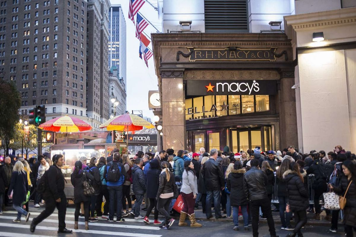 Shoppers gather outside Macy's Herald Square before its Black Friday sale on Thanksgiving Day in New York, on Nov 24, 2016.