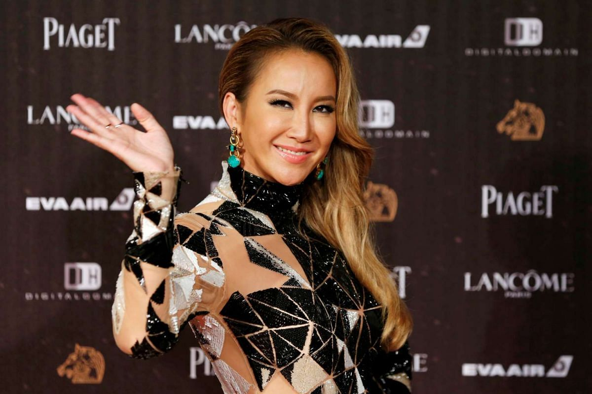 Singer Coco Lee poses on the red carpet at the 53rd Golden Horse Awards in Taipei on Nov 26, 2016.