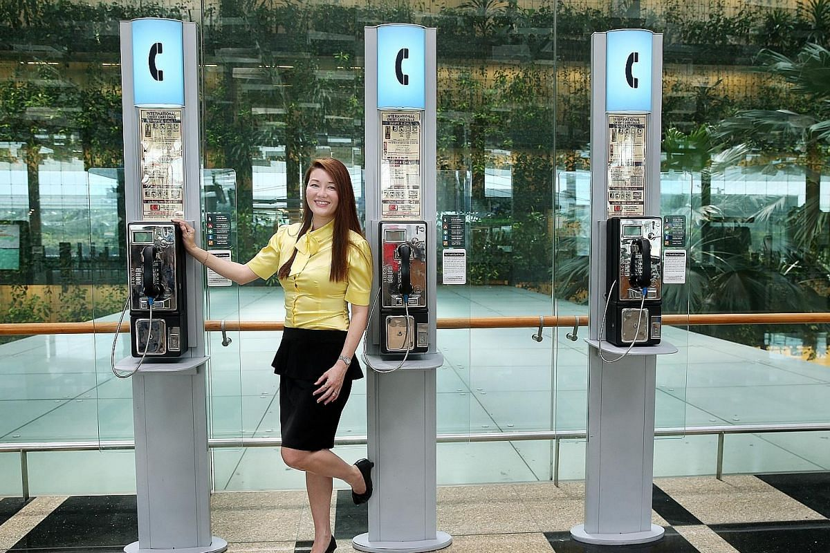 Payphones can be found in Chinatown and at Tekka Centre. The payphone at Heap Seng Leong coffee shop in North Bridge Road accepts only 10-cent coins issued before 2013. Director of Firstcomm Christina Chua says it is still possible to profit from pay