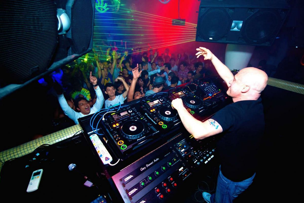 Famous New York-based house music DJ Danny Tenaglia rocked the dance floor on April 17, 2011, with an 8½-hour set at the finale of Zouk's 20th anniversary bash.