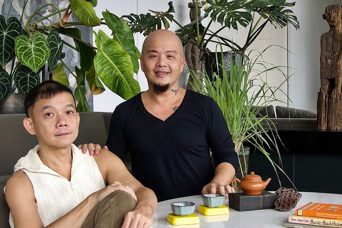 Ah Hock & Peng Yu's Ix Wong (far left) and Aaron Khek.