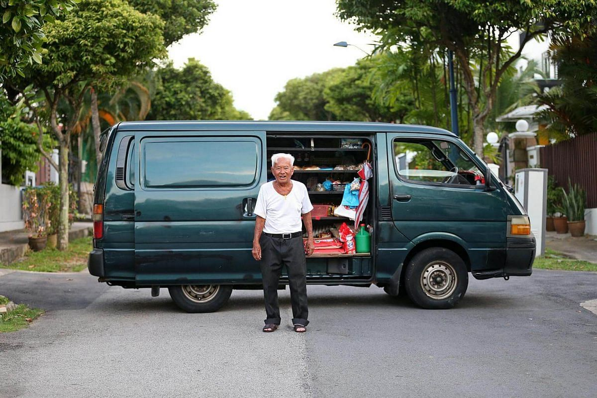 """Mr Foo, 78, fondly known as """"Uncle Bread"""" will be surrendering the keys to his van for good."""
